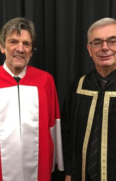 Micheal O'Siadhail receives honorary doctorate from the University of Manitoba